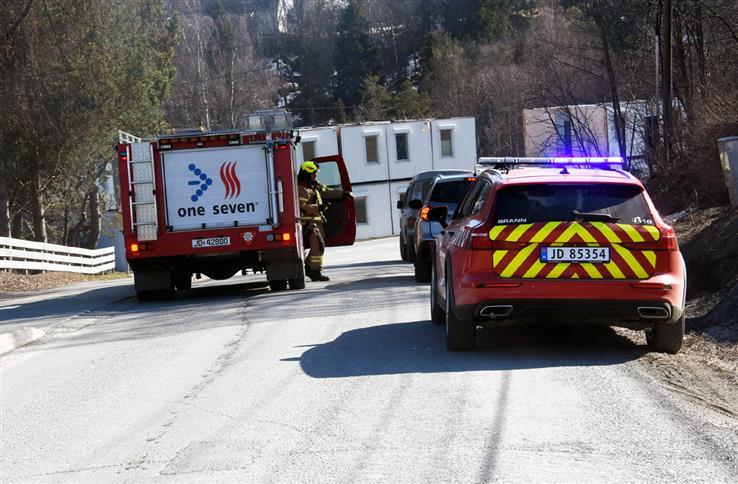 Brannmannskapene måtte rykke ut til både Bilitt og Skreia onsdag ettermiddag. Her fra Skreia.