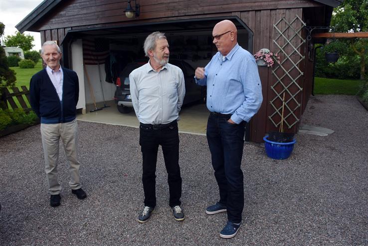 Kåre og Odd Grøndahl fikk møte sitt søskenbarn Gunnar Olsén (til høyre) for første gang.
