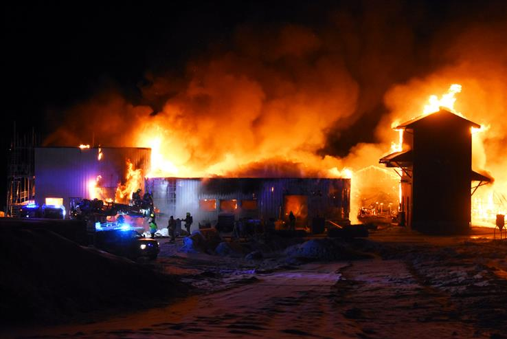 Skreia renseanlegg kunne ikke reddes da det natt til tirsdag begynte å brenne.