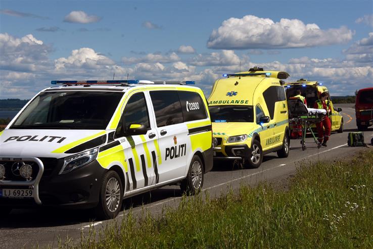 Flere ambulanser måtte rykke ut i forbindelse med to sykkeluhell lørdag.