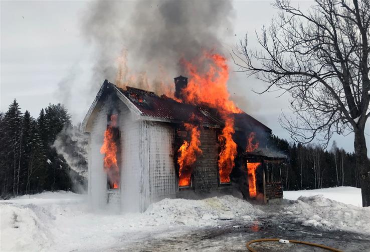 Alt håp er ute, flammene har fått overta.