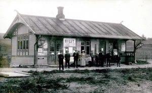 Bilitt stasjon, eller Bilit, som det først het. Bildet må være tatt rundt 1902. (Foto: Mjøsmuseet).