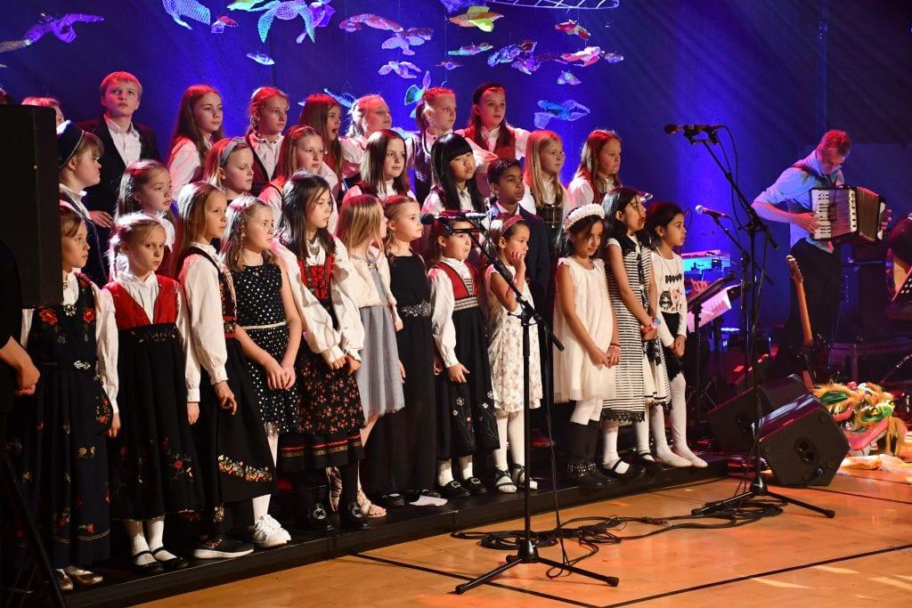 Barn fra kulturskolene i Gjøvik og Toten-kommunene er kor.
